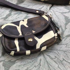 Super cute Dooney & Bourke leather wristlet